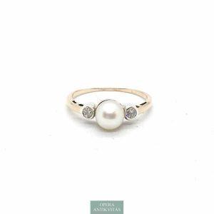 Arany gyűrű gyémánttal és gyönggyel