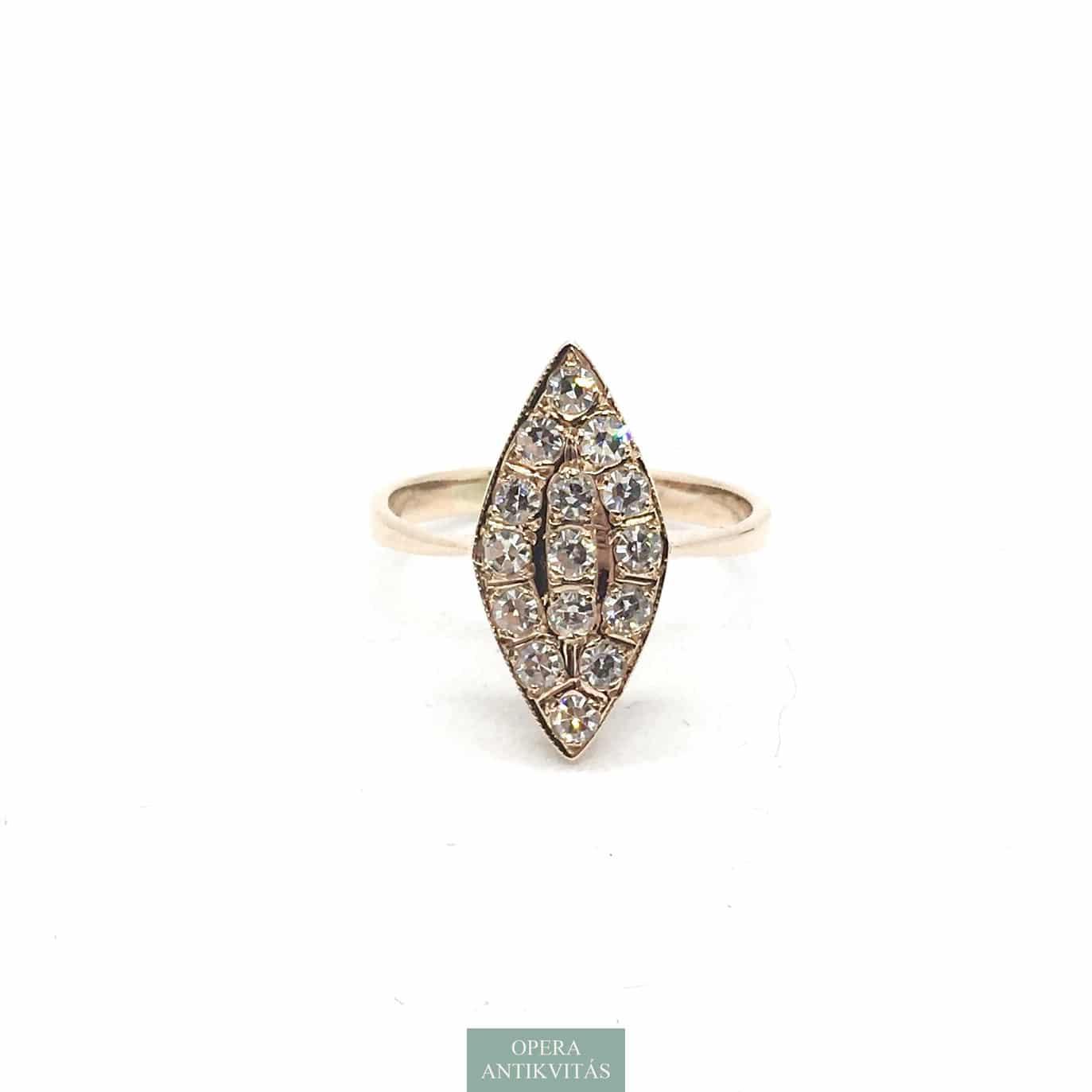 Vörös arany gyűrű gyémántokkal