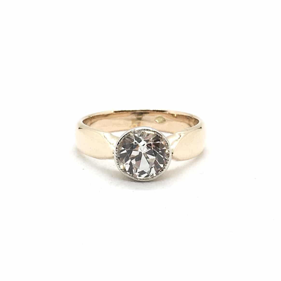Arany Gyűrű Fehér Zafírral
