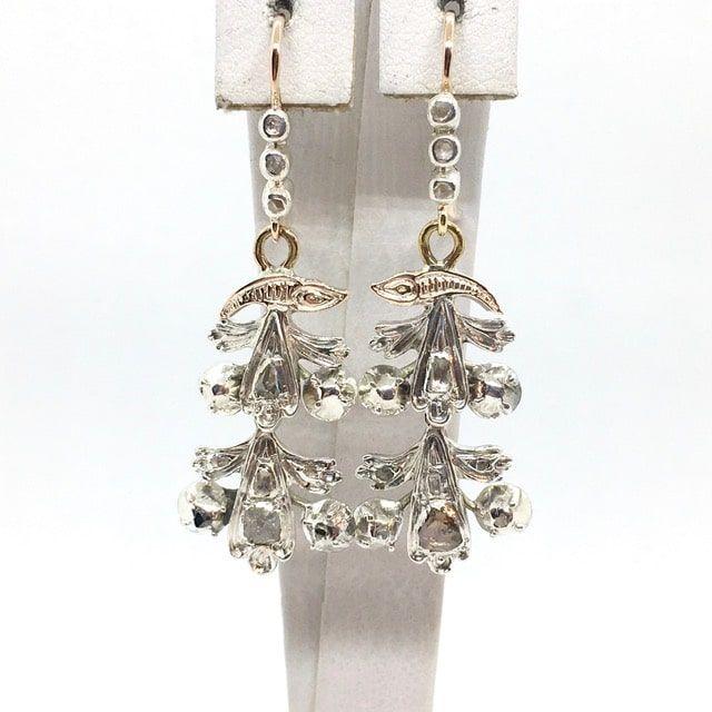 Antik arany fülbevaló ezüstbe foglalt gyémántokkal