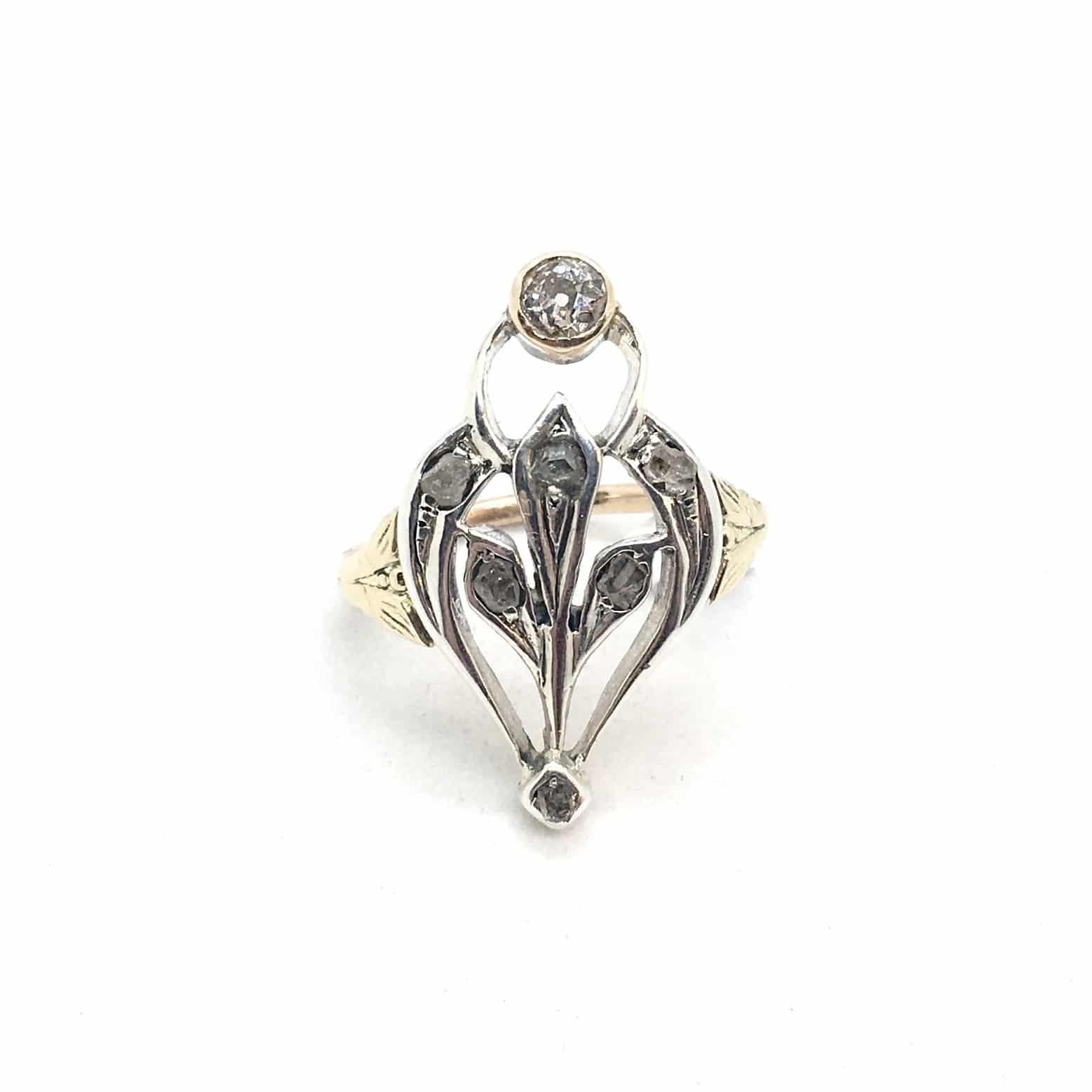 2794. Szecessziós arany gyűrű gyémántokkal.