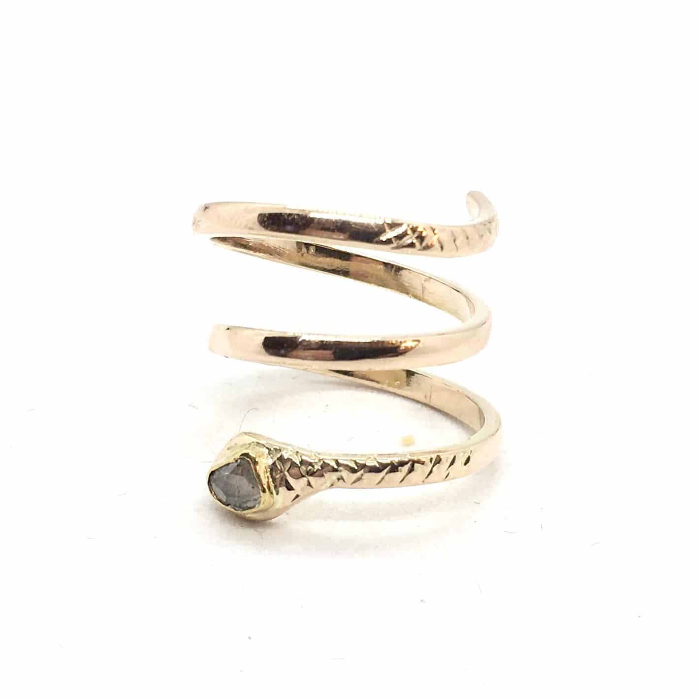 2943. Kígyó Gyűrű Gyémánttal