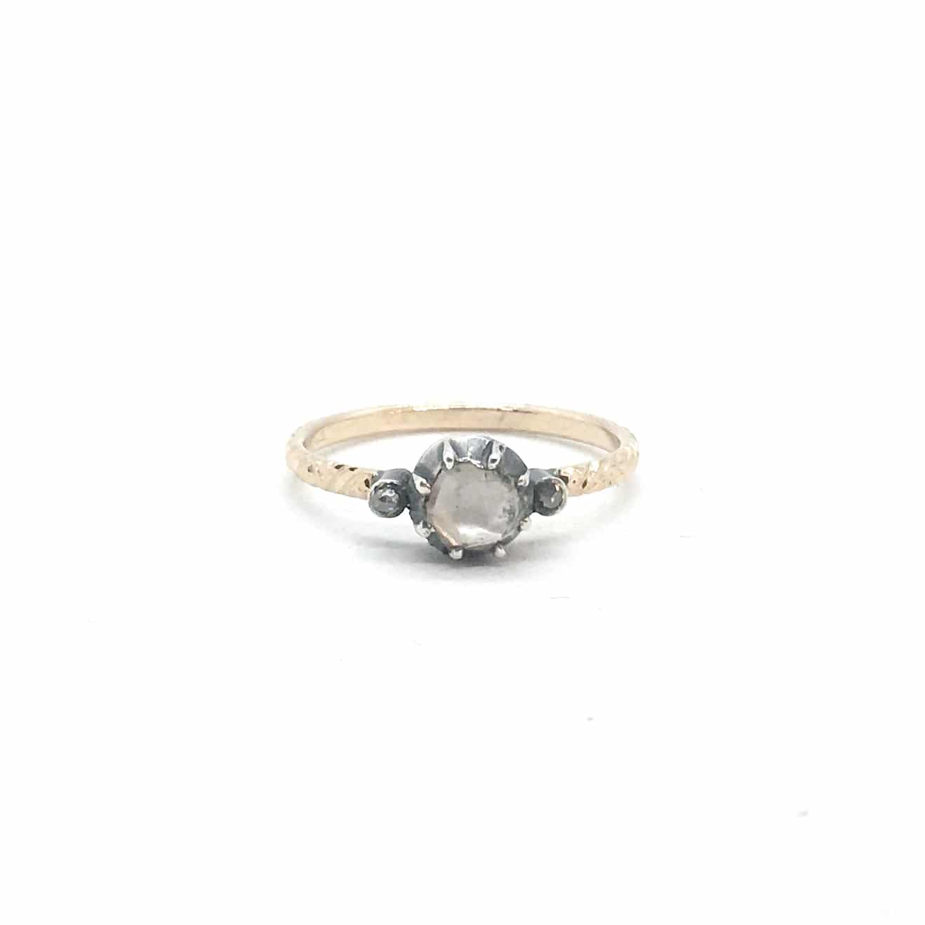 3031. Régi Arany Gyűrű Gyémánttal