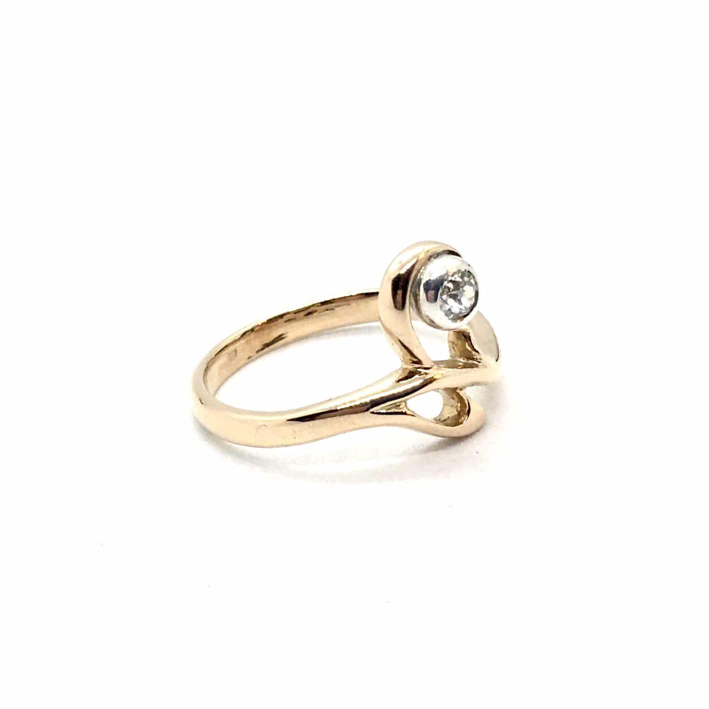 SF123. Szecessziós Arany Gyűrű Gyémánttal